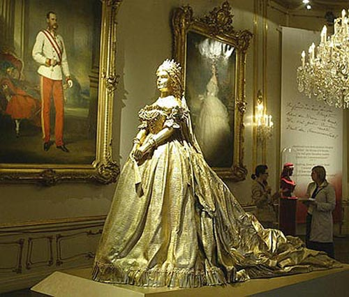 La moda en el siglo XIX Sissi