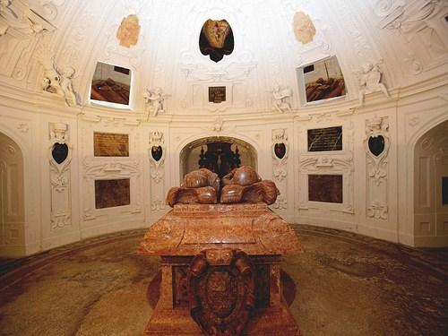 Mausoleo de Fernando II