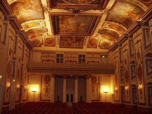 Haydnsaal en el Palacio Esterhazy