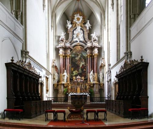 Interior de la Catedral de Wiener Neustadt